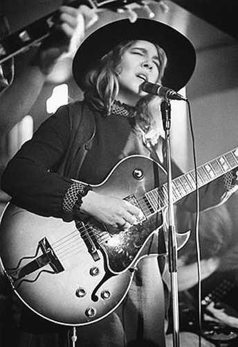 Sandy Denny - The Grand Lady of British Folk Music